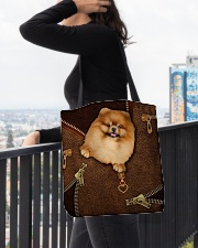 Pomeranian  All-over Tote aos-all-over-tote-lifestyle-front-05