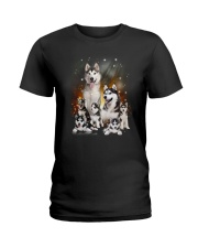 GAEA - Siberian Husky Happy Family 1904 Ladies T-Shirt thumbnail