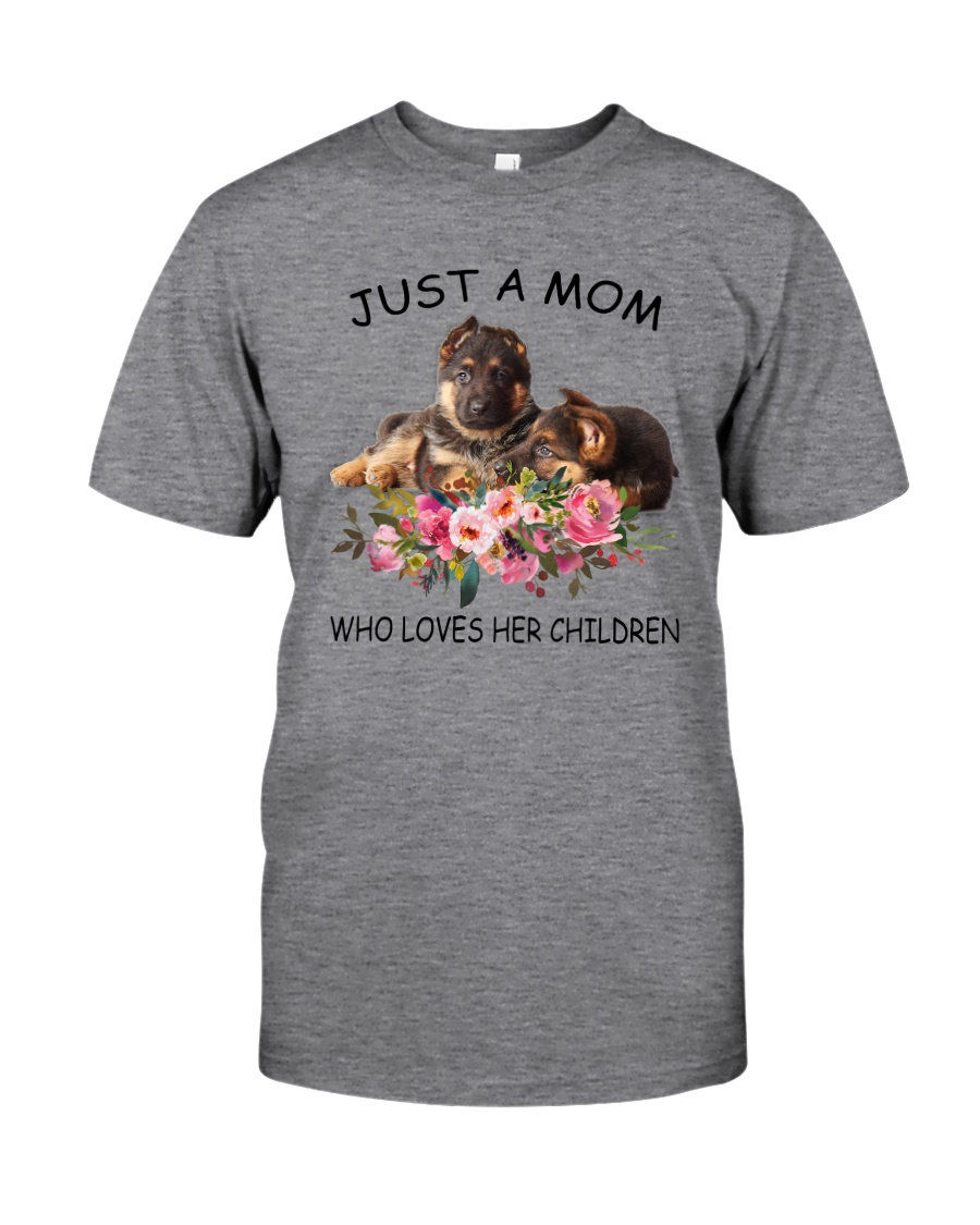 GAEA - German Shepherd Mom 1204 Classic T-Shirt