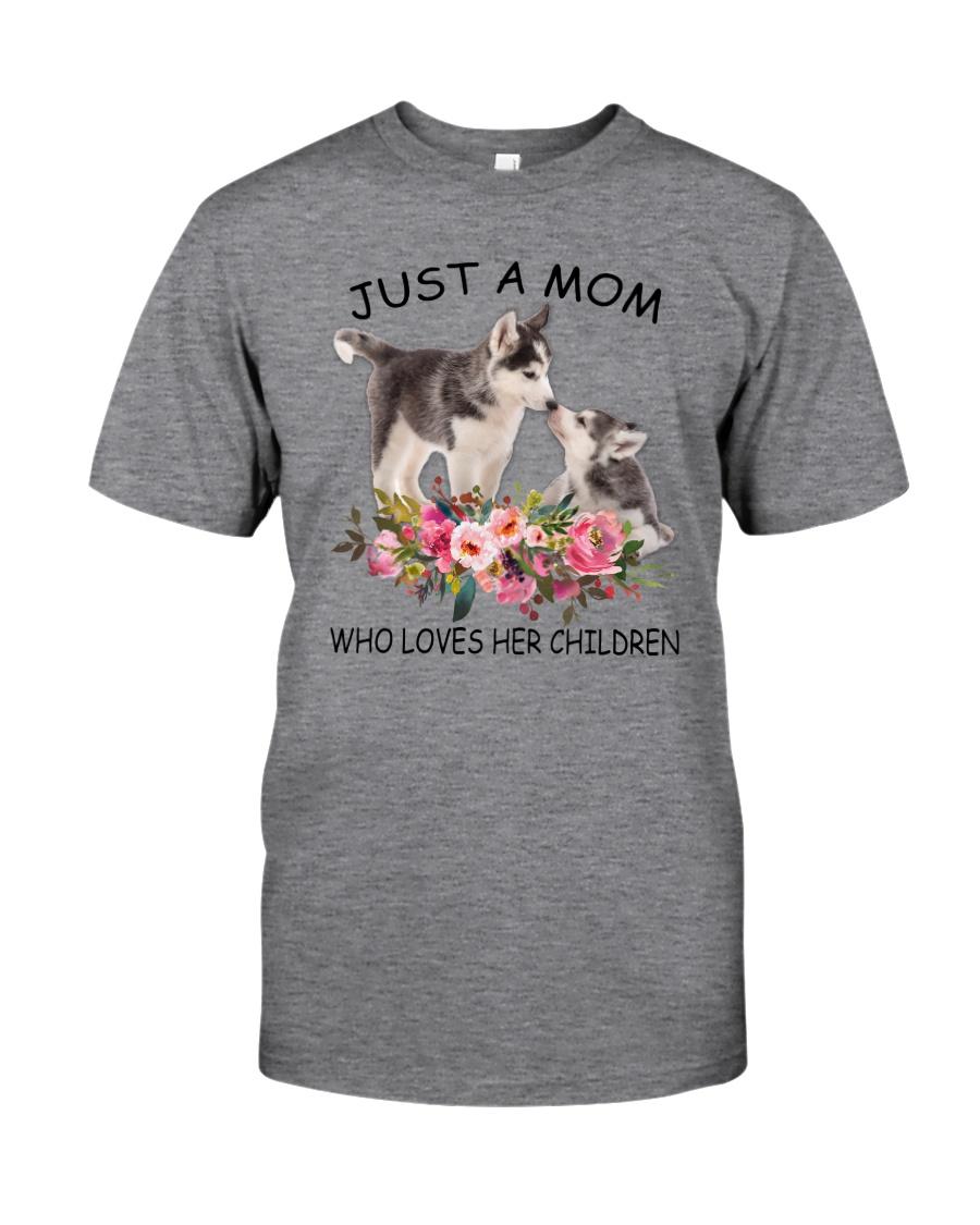 GAEA Siberian Husky Mom 1204 Classic T-Shirt