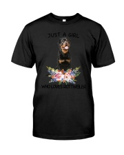 Rottweiler Loves Girl 0204 Classic T-Shirt tile