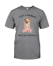 Chihuahua Love Woman 2104 Classic T-Shirt front
