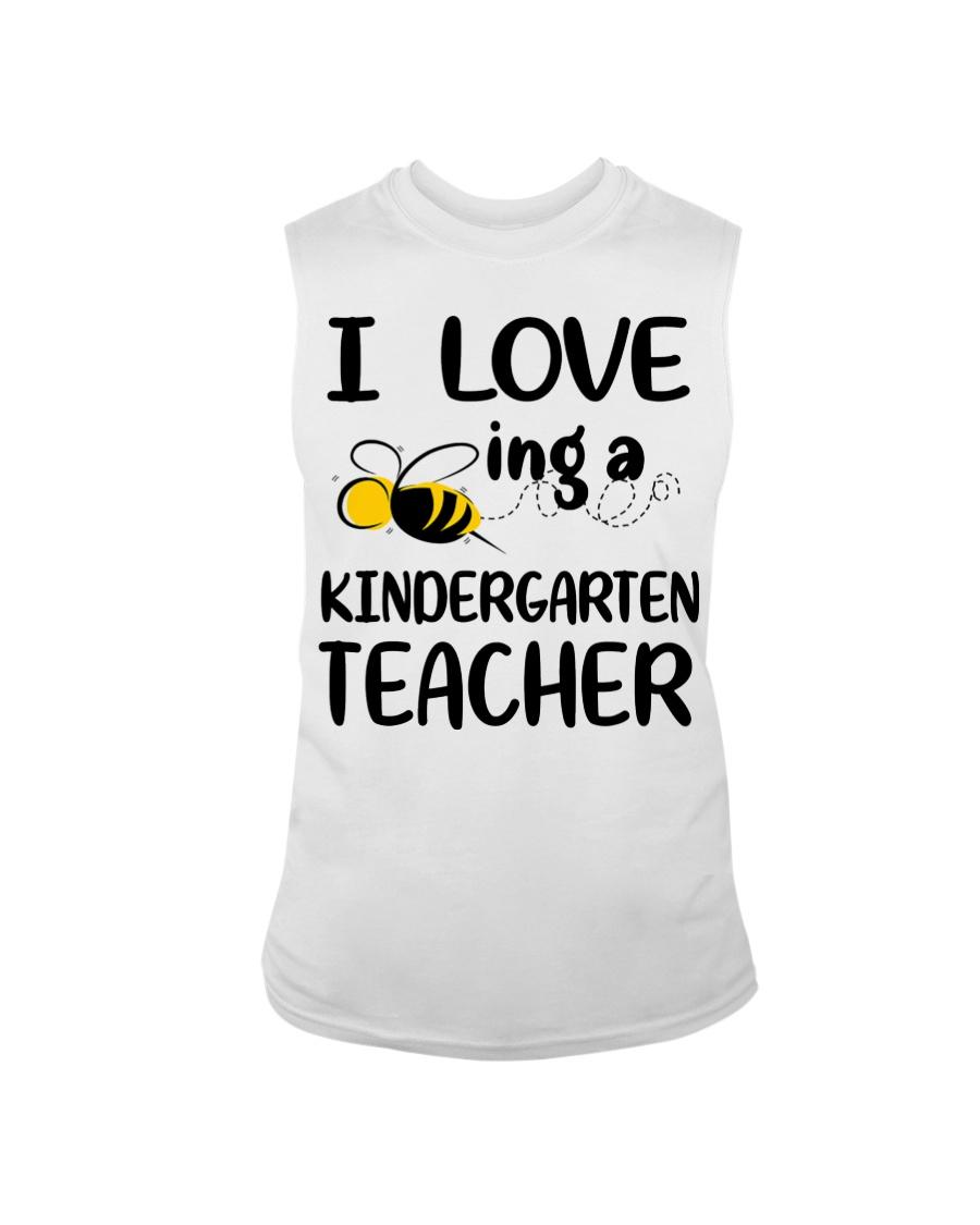 I Love being a kindergarten Teacher Sleeveless Tee