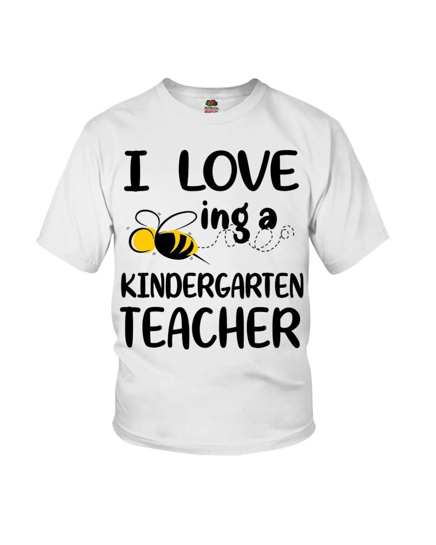I Love being a kindergarten Teacher Youth T-Shirt