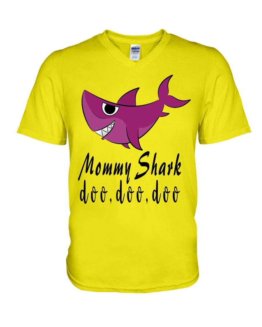 MOMMY SHARK V-Neck T-Shirt