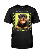 YOU LEFT PAW PRINTS IN MY HEART Classic T-Shirt thumbnail