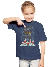 I READ TO ESCAPE FROM REALITY Youth T-Shirt lifestyle-youth-tshirt-front-2