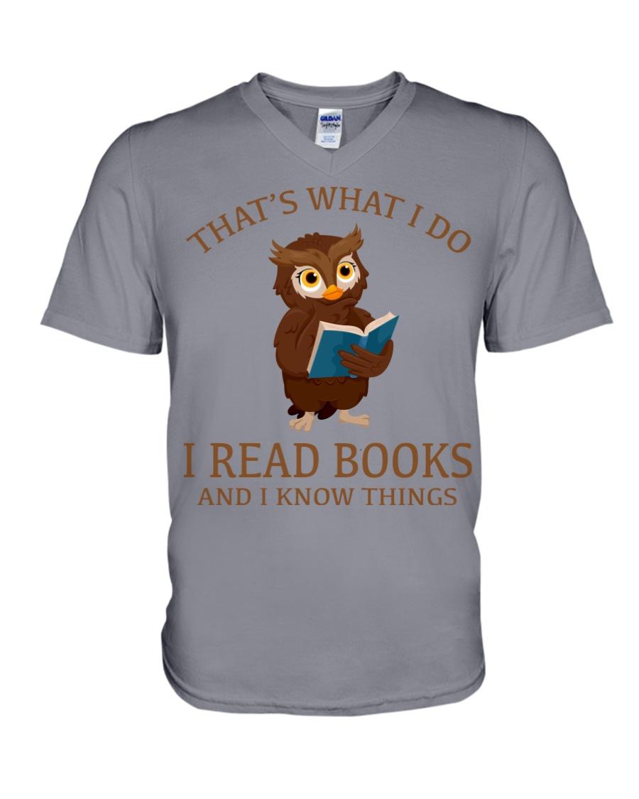 I READ BOOKS 10 V-Neck T-Shirt