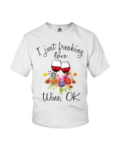 I Just Freaking Love Wine  Youth T-Shirt thumbnail