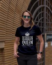 DUTCH OLIEBOLLEN QUEEN Ladies T-Shirt lifestyle-women-crewneck-front-2