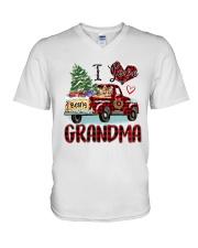 I love being a grandma truck red xmas V-Neck T-Shirt tile