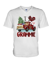 I love being a Grammie truck red xmas V-Neck T-Shirt tile