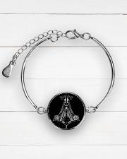 ke Metallic Circle Bracelet aos-bracelet-metal-front-lifestyle-2