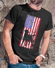 Labrador Retriever Tshirt Classic T-Shirt lifestyle-mens-crewneck-front-4