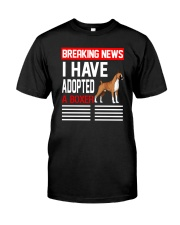 DOGS - BOXER - BREAKING NEWS Classic T-Shirt front