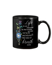 Family The moments take our breath away Mug thumbnail