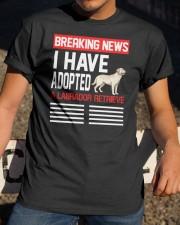 DOGS - LABRADOR RETRIEVER - BREAKING NEWS Classic T-Shirt apparel-classic-tshirt-lifestyle-28