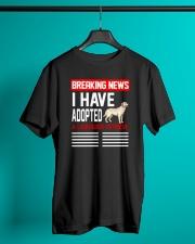DOGS - LABRADOR RETRIEVER - BREAKING NEWS Classic T-Shirt lifestyle-mens-crewneck-front-3