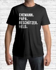 Limitierte Auflage Classic T-Shirt lifestyle-mens-crewneck-front-1