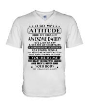 LOVES ME UNCONDITIONALLY - BEST GIFT FOR DAUGHTER V-Neck T-Shirt tile