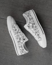 Cycling lover Men's Low Top White Shoes aos-complex-men-white-high-low-shoes-lifestyle-inside-left-outside-left-01