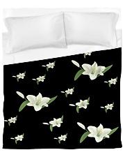 White flower on black Duvet Cover - Queen front