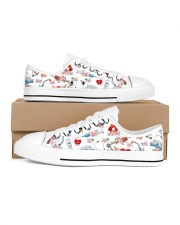 Temp Nurse Shoe Men's Low Top White Shoes tile