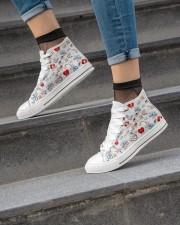 Temp Nurse Shoe Women's High Top White Shoes aos-complex-women-white-top-shoes-lifestyle-04
