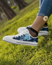 Turtle Save The Turtle Women's Low Top White Shoes aos-complex-women-white-low-shoes-lifestyle-04