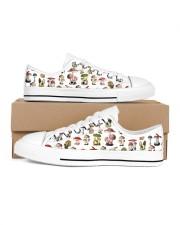Mushroom Shoes Men's Low Top White Shoes tile