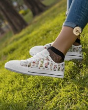 Mushroom Shoes Women's Low Top White Shoes aos-complex-women-white-low-shoes-lifestyle-04