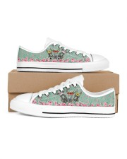 Fishing Flower Shoes Women's Low Top White Shoes thumbnail