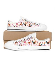 Chicken Flower Shoes Women's Low Top White Shoes tile