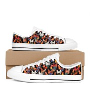 Chicken Print Pattern Shoes Women's Low Top White Shoes inside-left-outside-left