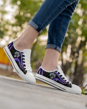 Mushroom Pattern Shoes Women's Low Top White Shoes aos-complex-women-white-low-shoes-lifestyle-08