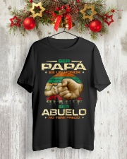 Ser Papa Ser Abuelo Classic T-Shirt lifestyle-holiday-crewneck-front-2