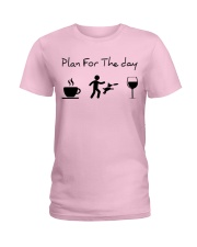 Plan for the day disc dog Ladies T-Shirt tile