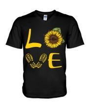 Love hiking V-Neck T-Shirt thumbnail