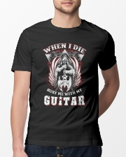 When i die bury me with my guitar Classic T-Shirt lifestyle-mens-crewneck-front-13