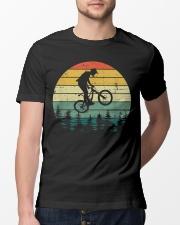 Vintage mountain bike Classic T-Shirt lifestyle-mens-crewneck-front-13