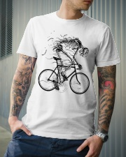 Cycling skeleton - cycling till die Classic T-Shirt lifestyle-mens-crewneck-front-6