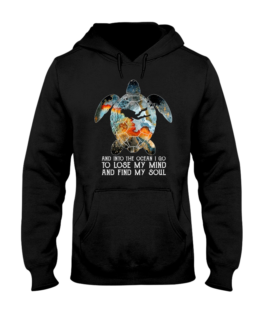 Scuba diving turtle into the ocean art Hooded Sweatshirt