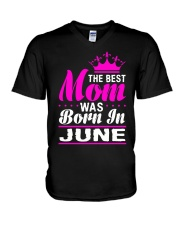 THE BEST MOM WAS BORN IN  JUNE V-Neck T-Shirt thumbnail