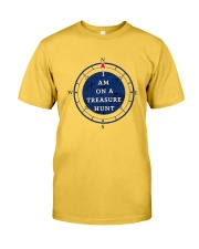 OUTER BANKS - I AM ON A TREASURE HUNT Classic T-Shirt thumbnail