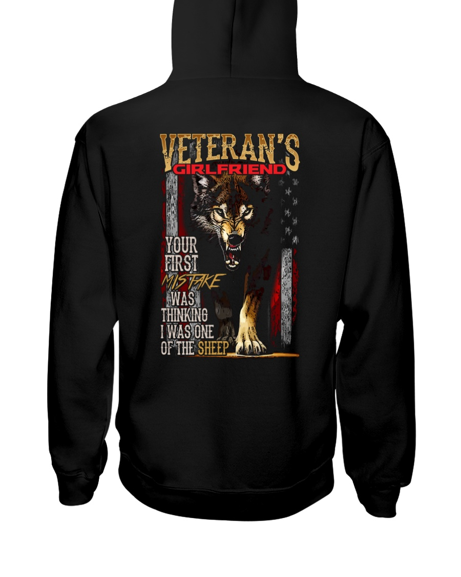 VETERAN'S  GIRLFRIEND - I'M THE WOLF   Hooded Sweatshirt