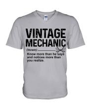 VINTAGE MECHANIC V-Neck T-Shirt tile