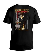 FIREFIGHTER'S  GIRLFRIEND - I'M THE WOLF   V-Neck T-Shirt thumbnail