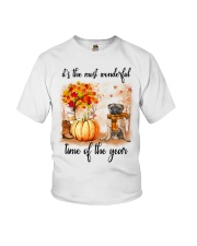 Pug dog love fall Youth T-Shirt thumbnail