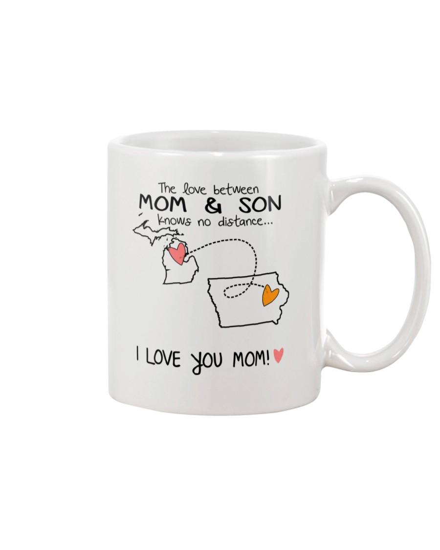 22 15 MI IA Michigan Iowa Mom and Son D1 Mug