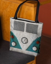 Van tote  All-over Tote aos-all-over-tote-lifestyle-front-02